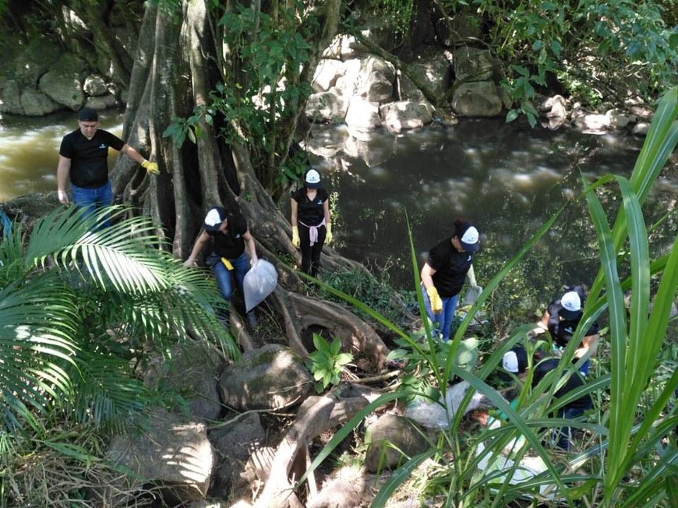 Conzultek colaboró en la recolección de 500 kilogramos de basura en el río Torres